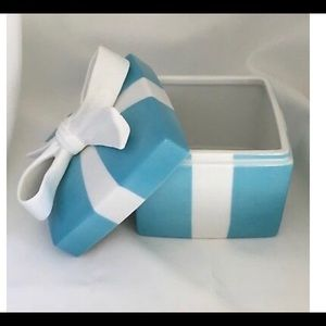 Tiffany & Co. porcelain trinket box